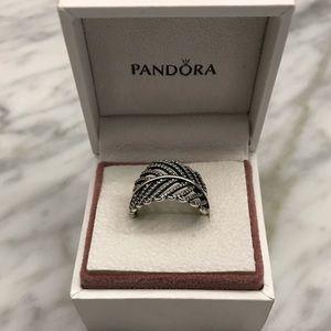 Pandora Light As A Feather Ring